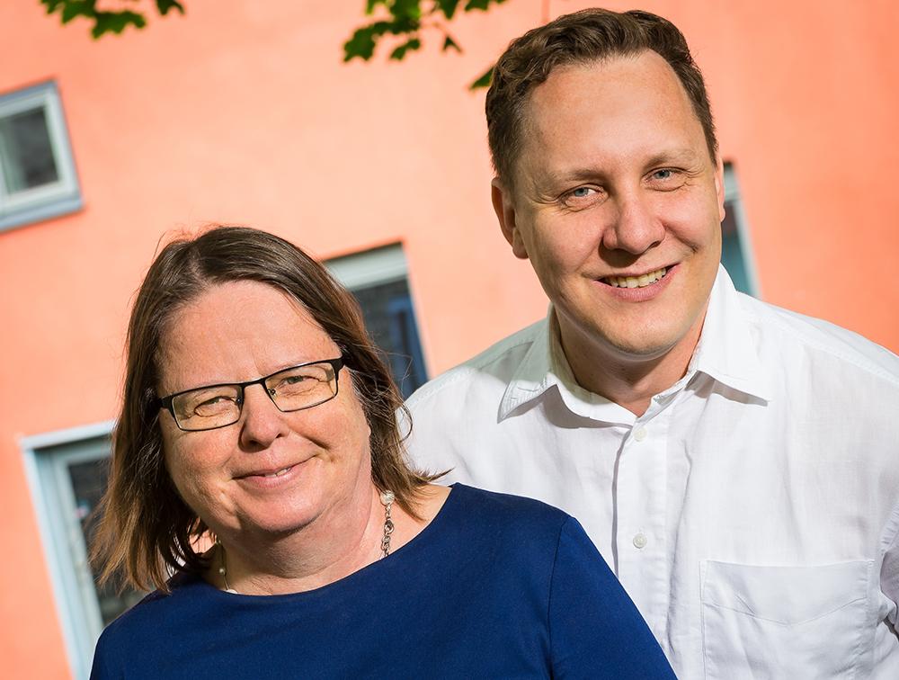 Kristina Edström, professor vid Uppsala universitet och föreståndare för Forskarskolan i neutronspridning och Martin Månsson, universitetslektor vid KTH och studierektor för SwedNess. Foto: Dan Pettersson / DP-Bild