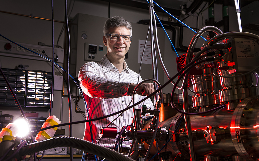 Peter Amann, forskare vid Fysikum, Stockholms universitet. Foto: Johan Marklund