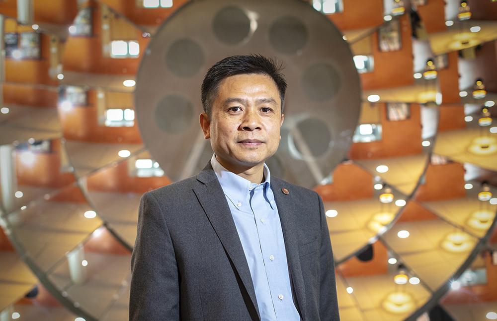 Zhen Zhang, professor vid Institutionen för elektroteknik på Uppsala universitet. Foto: Mikael Wallerstedt