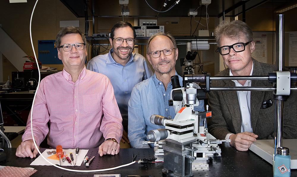 Peter Andrekson, Henk Wymeersch, Anders Larsson och Lars Svensson i projektet Hot Optics. Foto: Lisa Jabar  / AnnalisaFoto