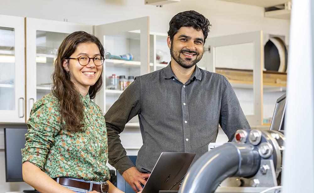Sofia Saoncella, doktorand och Shervin Bagheri, professor i strömningsmekanik vid KTH. Foto: Gonzalo Irigoyen