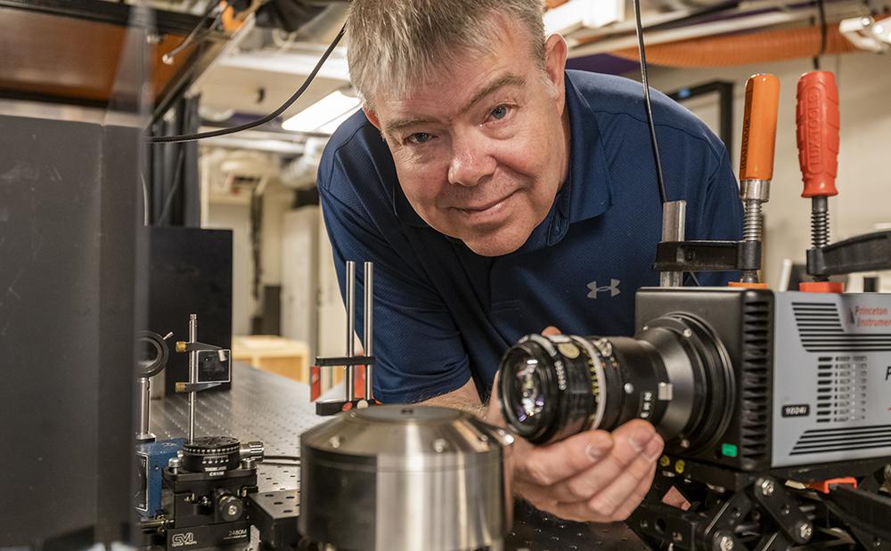 Joakim Bood, professor i förbränningsfysik på Fysiska institutionen vid Lunds universitet. Foto: Jan Nordén