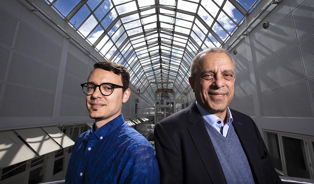 Paris Carbone, senior forskare och ansvarig för projektet vid RISE och Seif Haridi, professor i datorsystem vid KTH. Foto: Johan Marklund