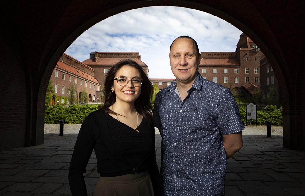 Elisabetta Nocerino, doktorand och Martin Månsson, professor i fysik vid KTH. Foto: Johan Marklund